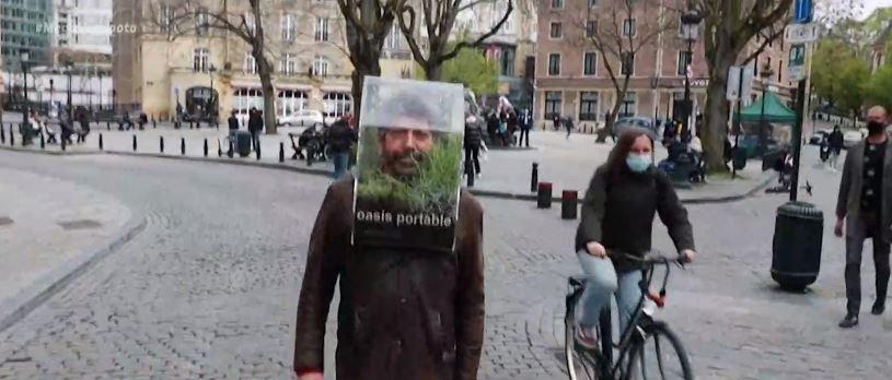 Μίνι… «θερμοκήπιο» στο κεφάλι για προστασία από τον κορωνοϊό